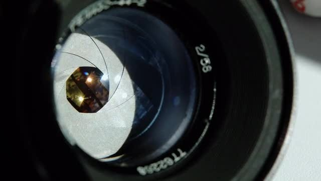 Aperture Of The Lens In Motion: Stock Video