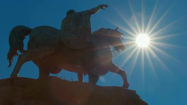 Statue Of George III In Windsor, England, UK : Stock Video
