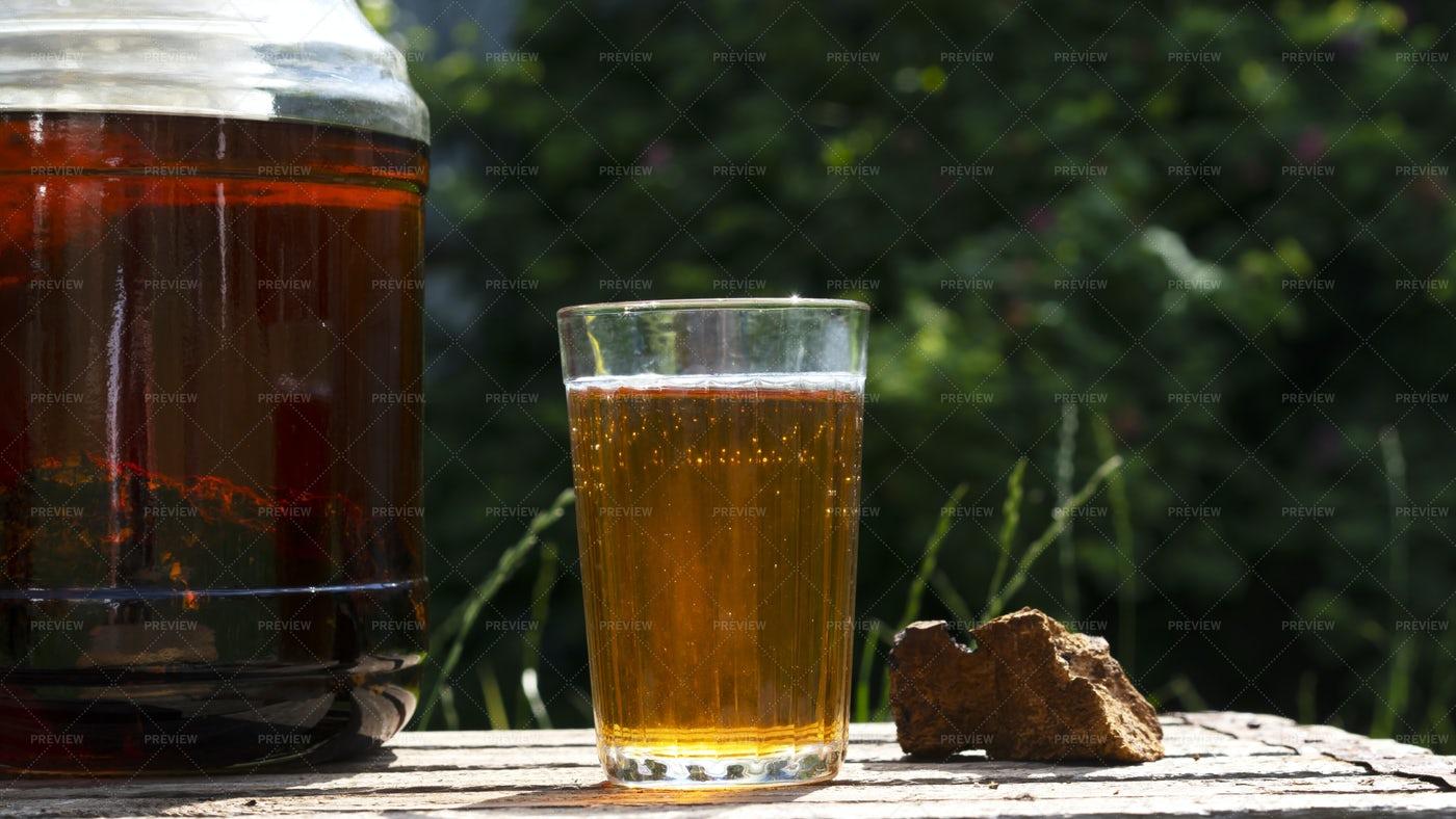 Chaga Mushroom Tea: Stock Photos