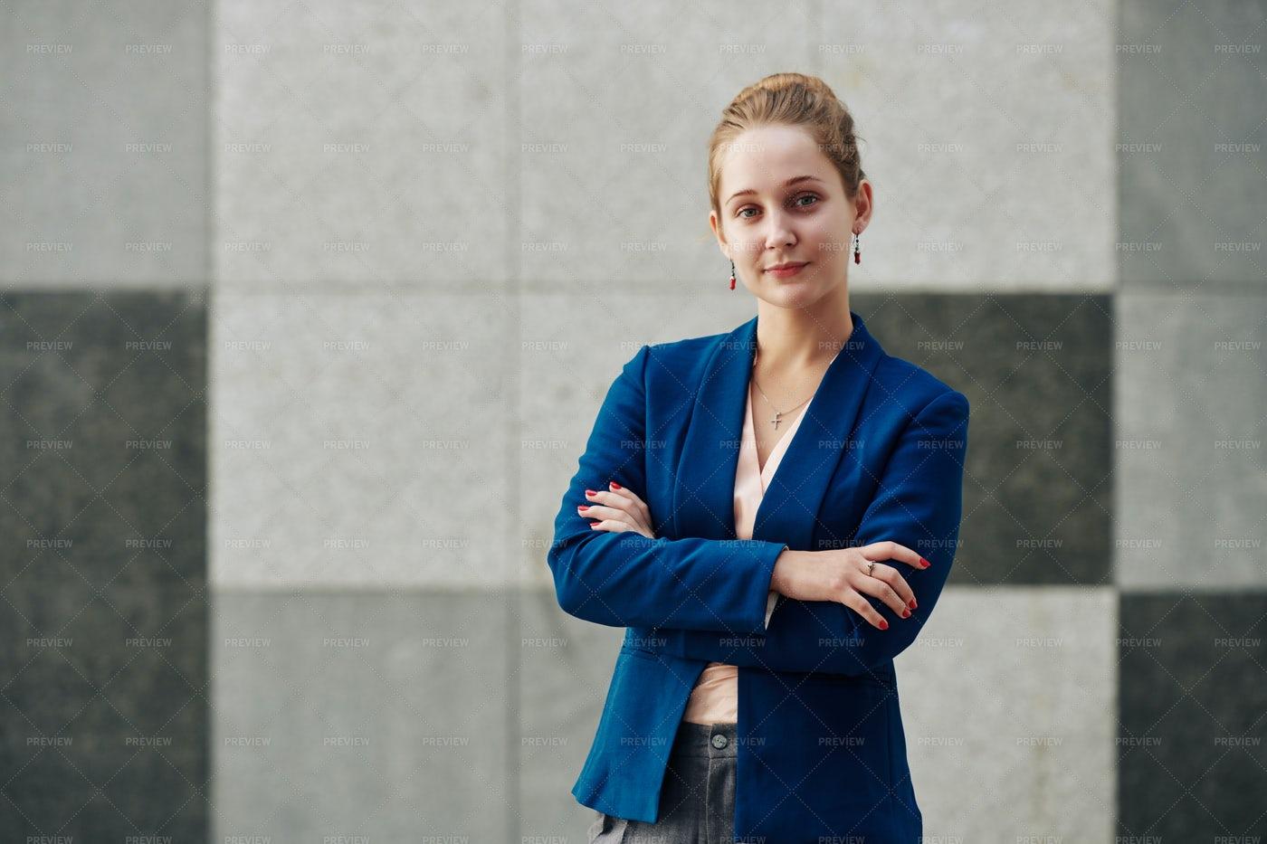 Businesswoman Folding Arms: Stock Photos