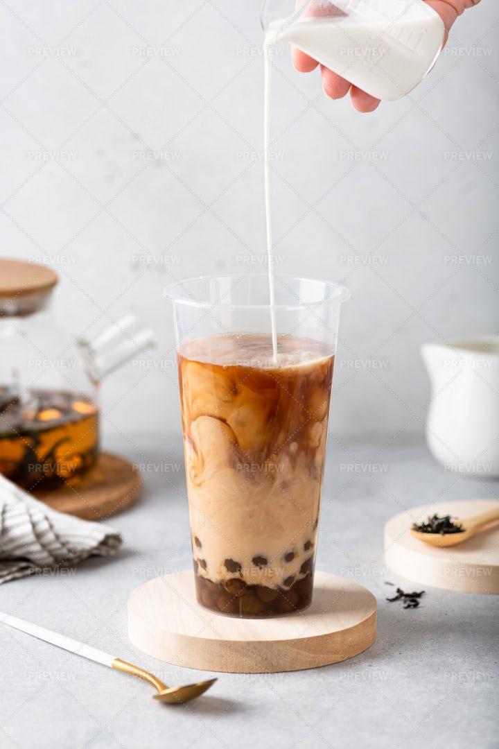 Making Milk Bubble Tea: Stock Photos
