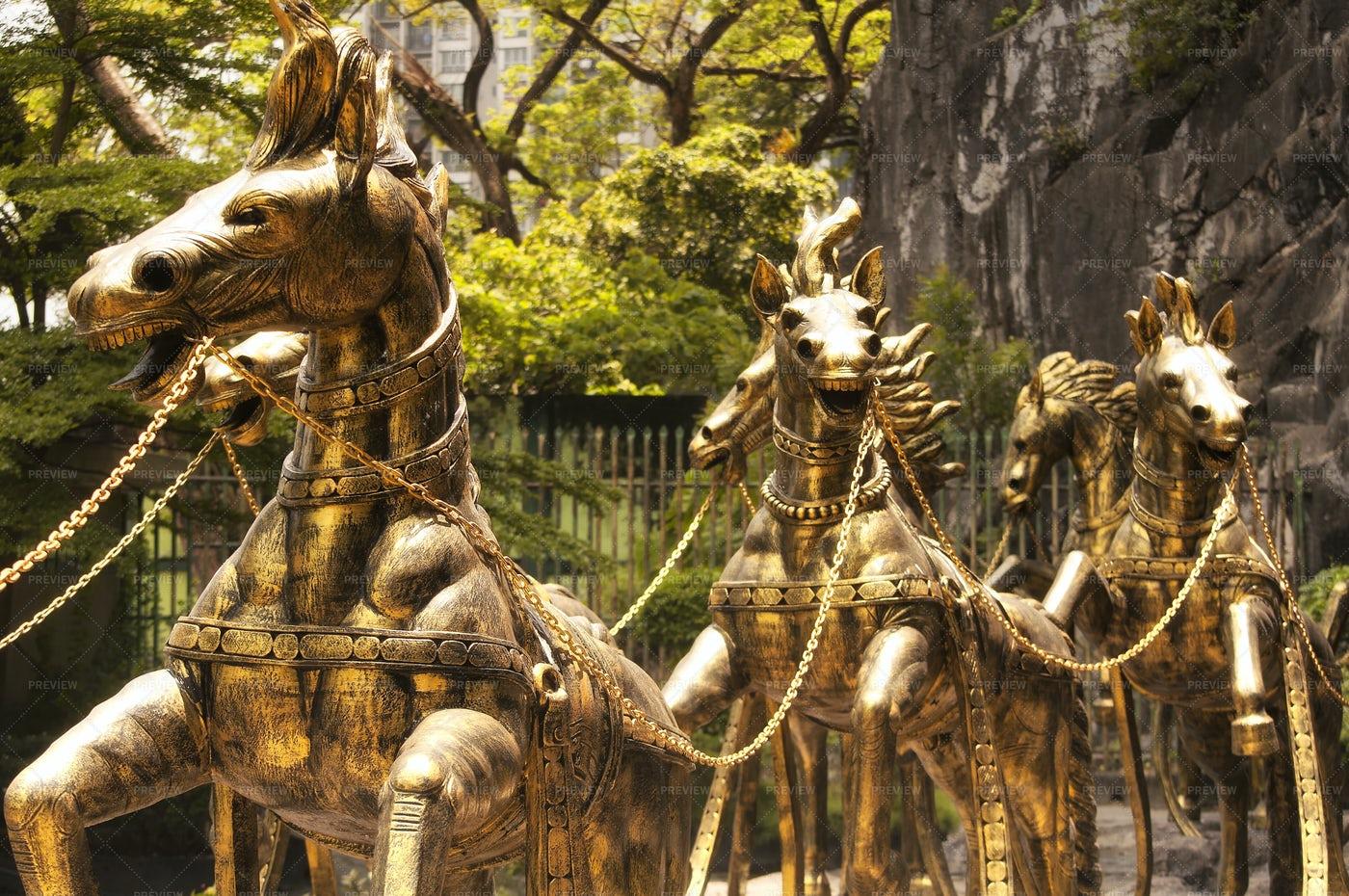 Golden Horses Ramayana Cave Malaysia: Stock Photos