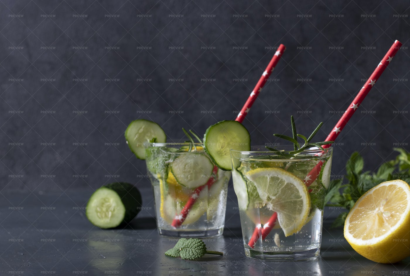 Fresh Mojito Cocktail With Cucumber: Stock Photos