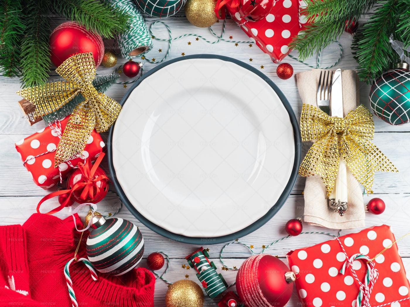 Christmas Festive Table Setting: Stock Photos