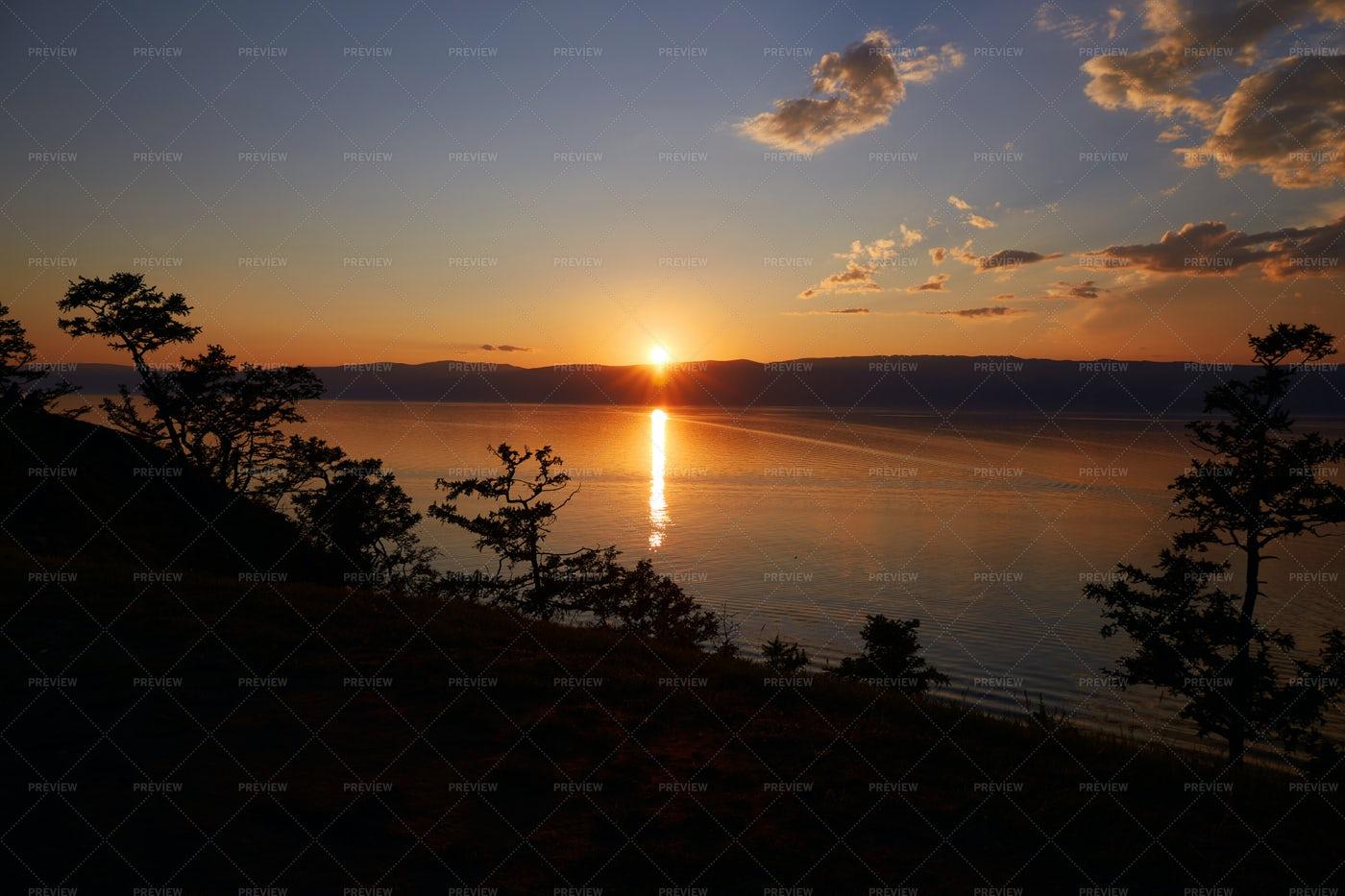 Beautiful Sunset On Lake: Stock Photos