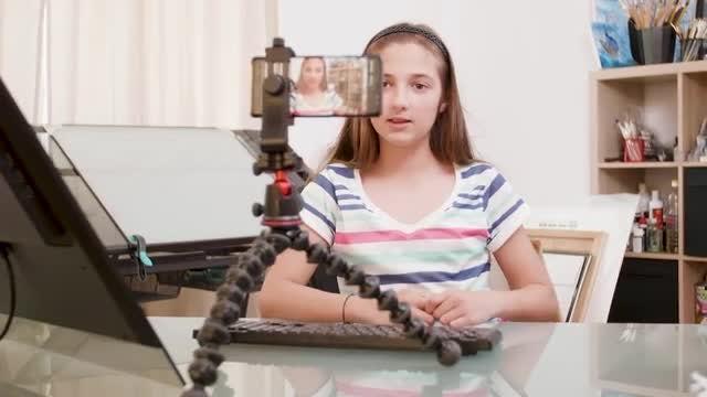 Teen Girl Vlogs: Stock Video
