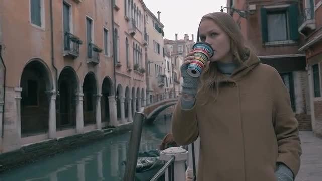 Walking In Venice: Stock Video