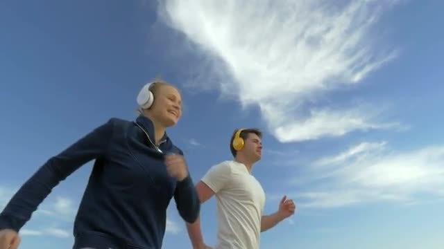 Couple Jog Together: Stock Video
