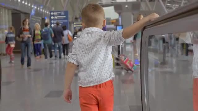 Traveling With A Child: Stock Video