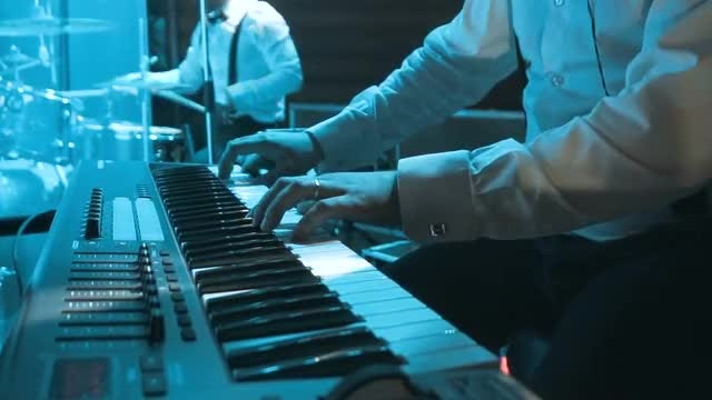 Pianist Playing On A Synthesizer: Stock Video