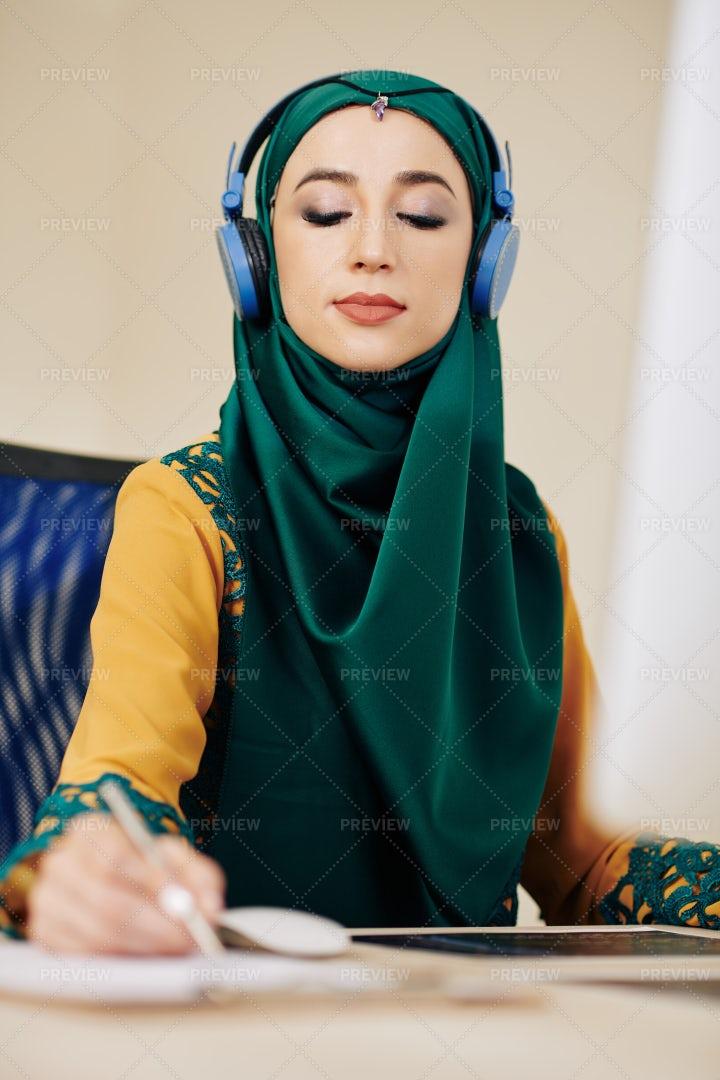 Businesswoman Taking Notes: Stock Photos