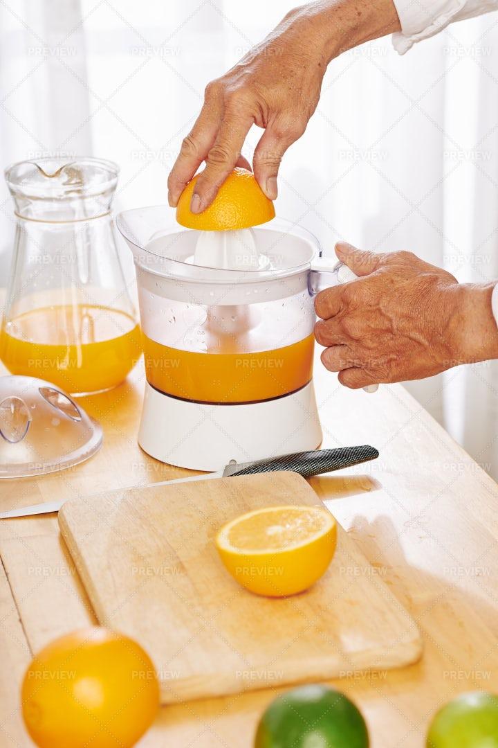 Squeezing Orange Juice: Stock Photos