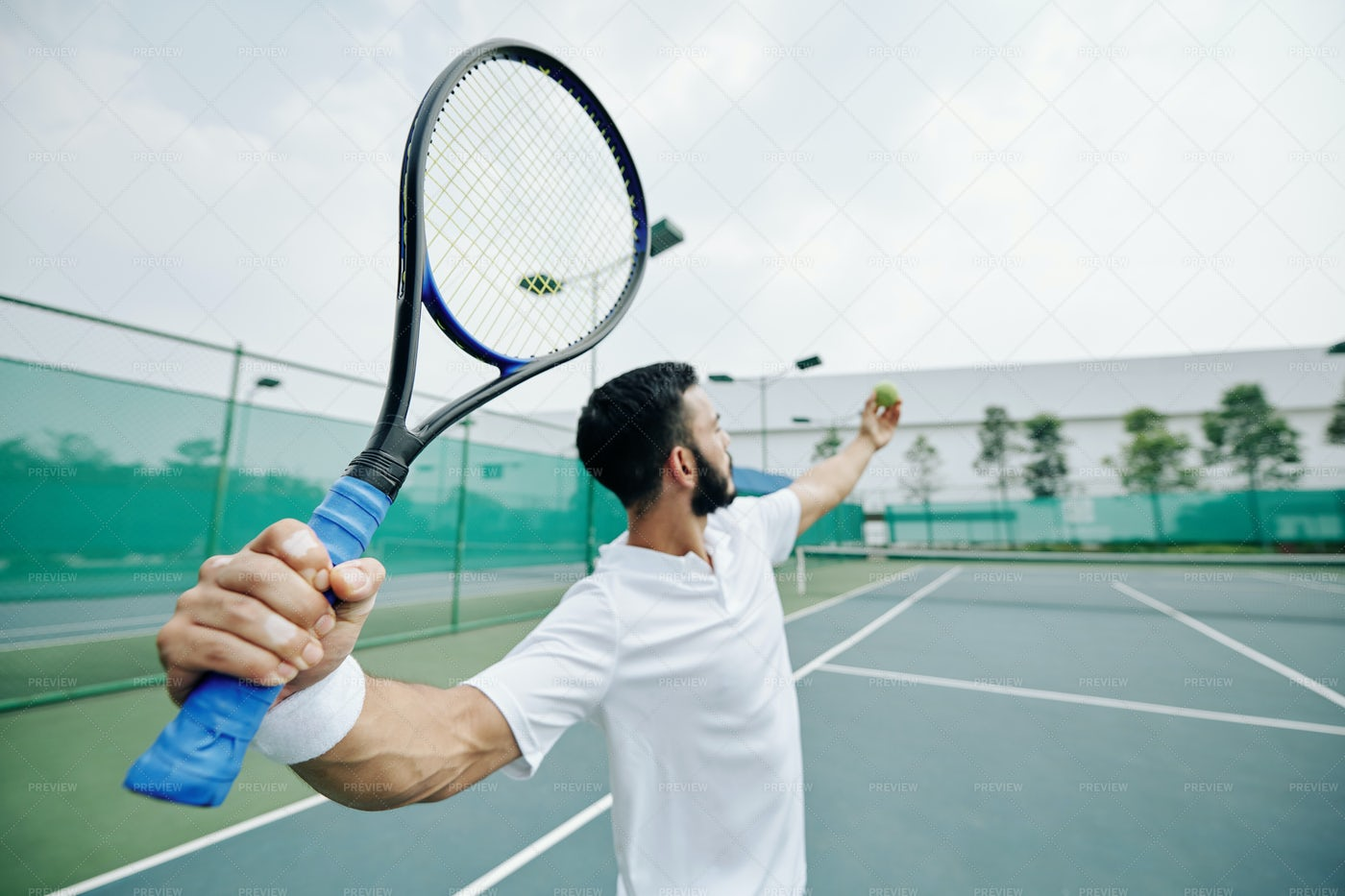 Serving Tennis Player: Stock Photos