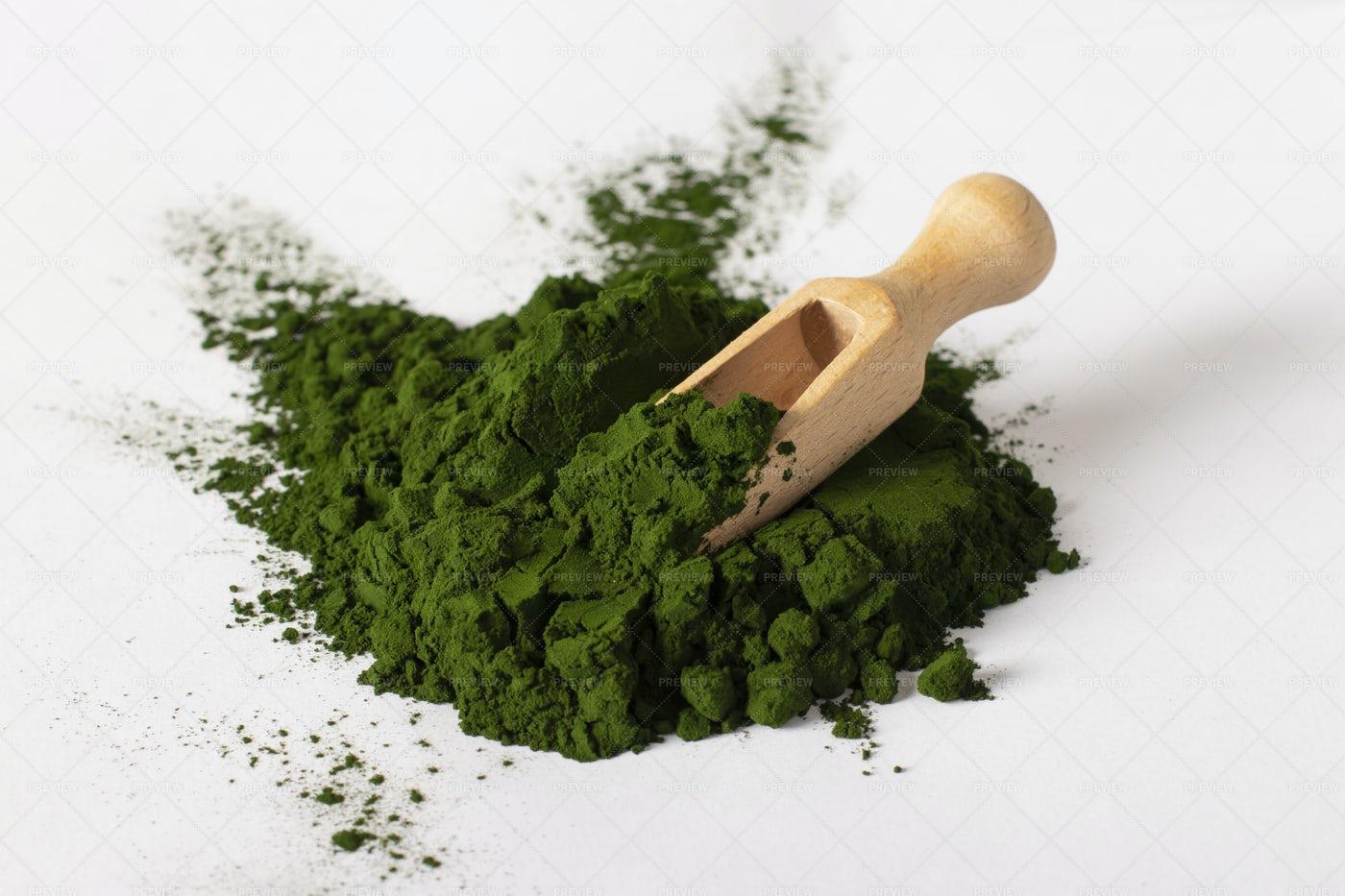Chlorella Algae Powder: Stock Photos