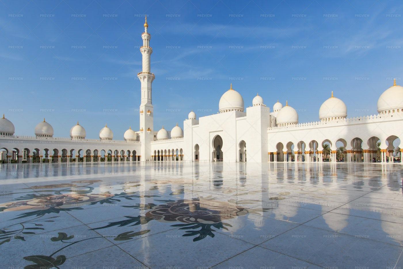 Sheikh Zayed Mosque: Stock Photos