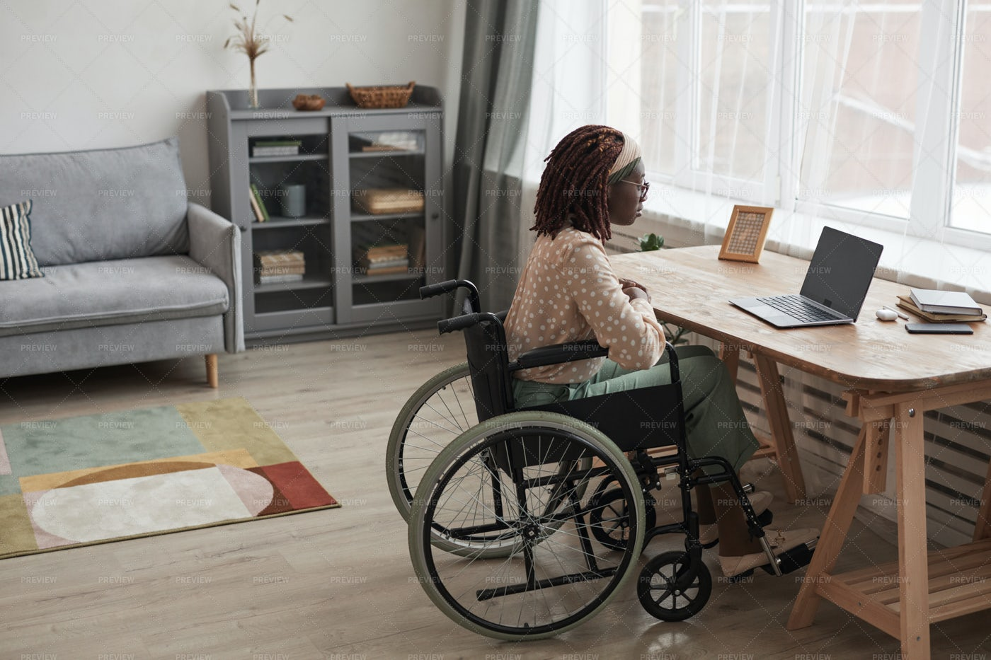 Working In A Wheelchair: Stock Photos