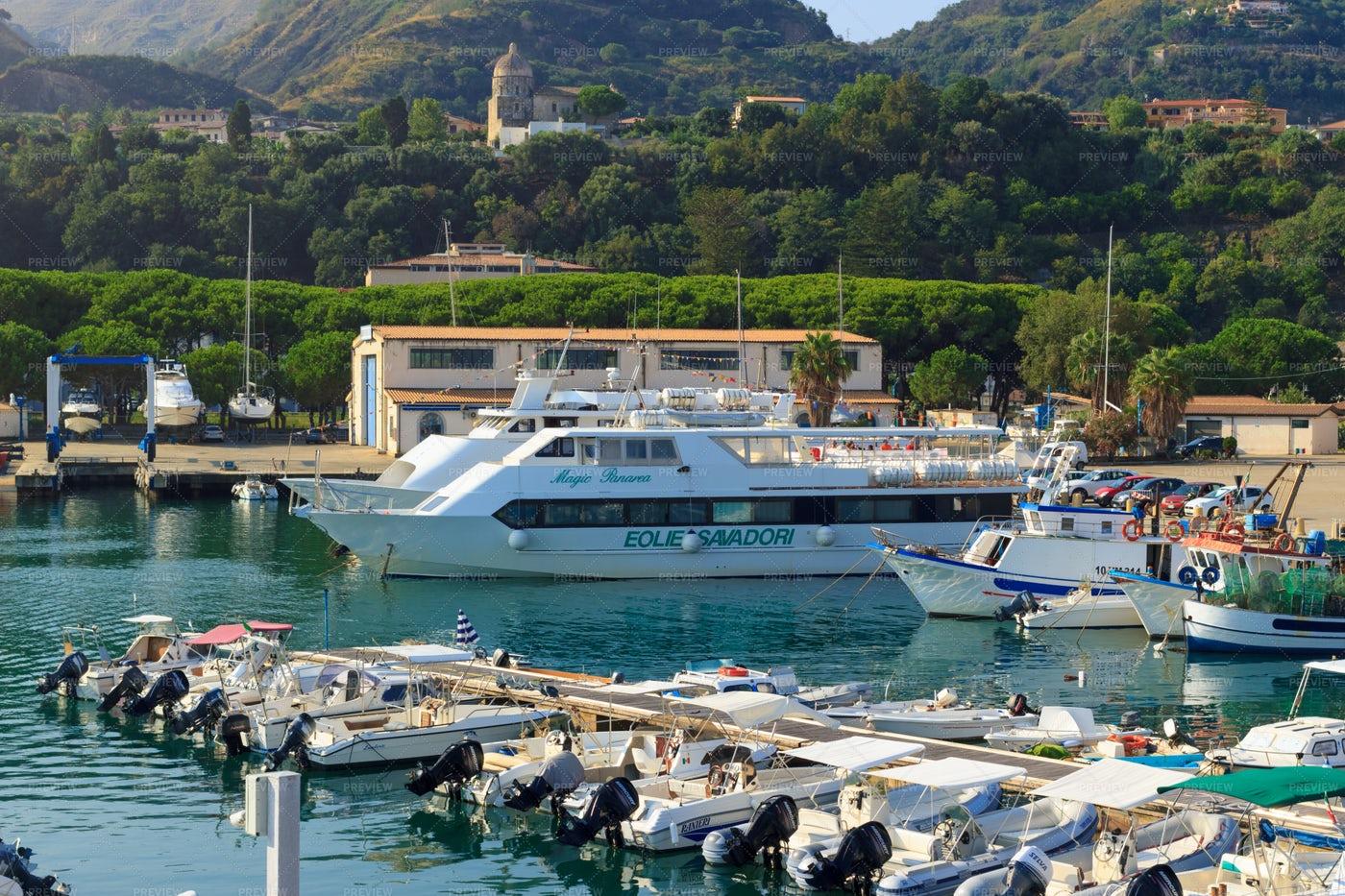 Tropea Marine Port: Stock Photos