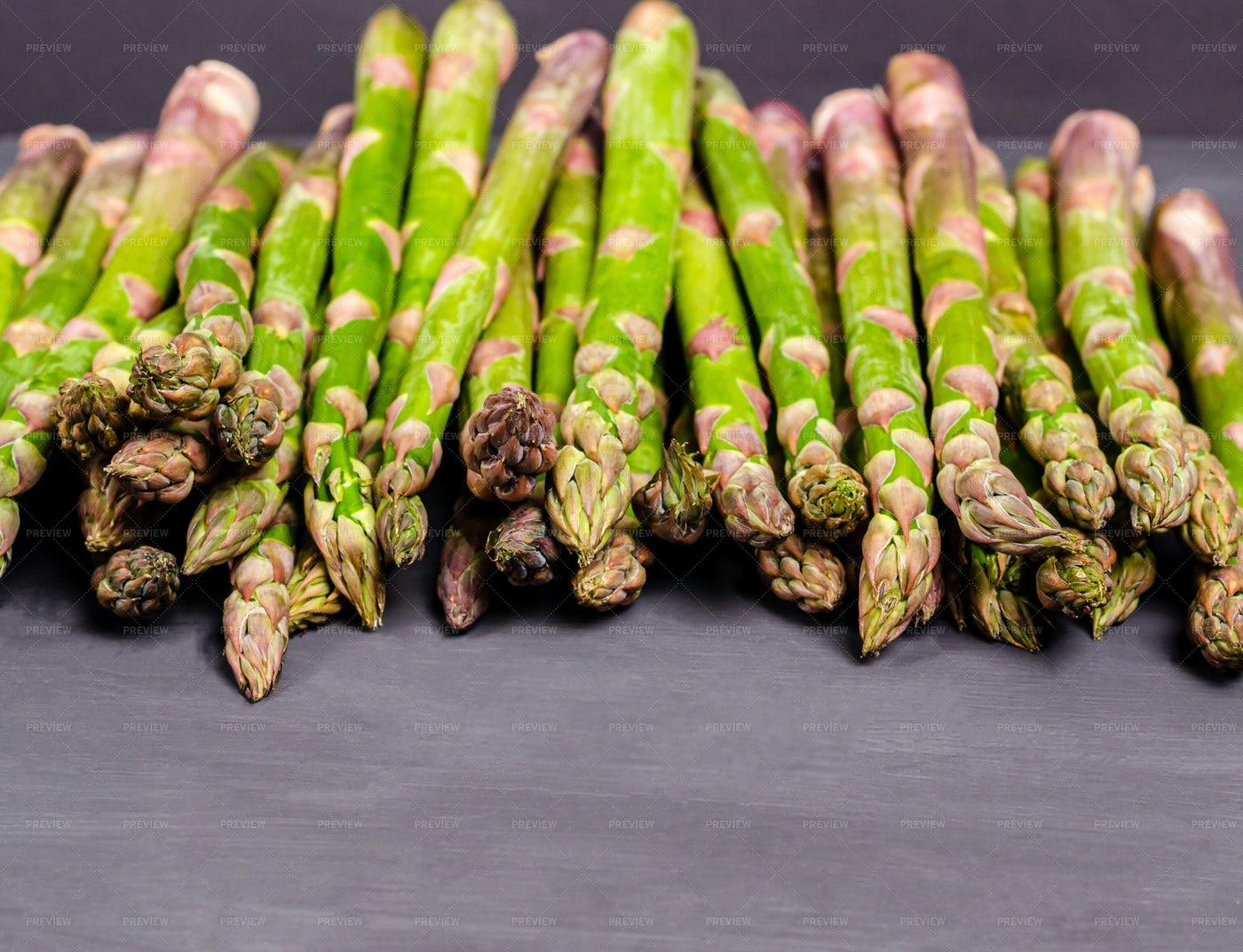 Fresh Green Asparagus: Stock Photos