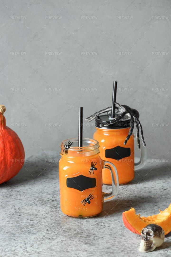Halloween Cocktails With Pumpkin Juice: Stock Photos