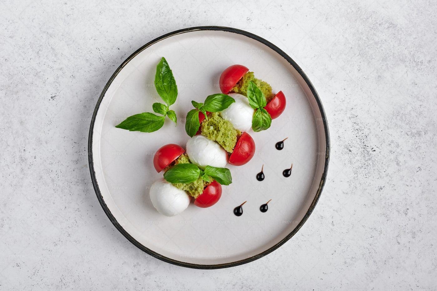 Italian Caprese Salad: Stock Photos