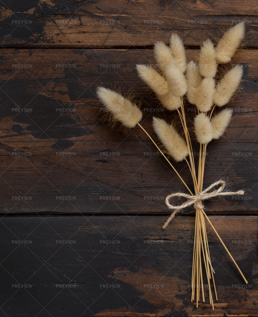 Dried Flowers Bouquet: Stock Photos