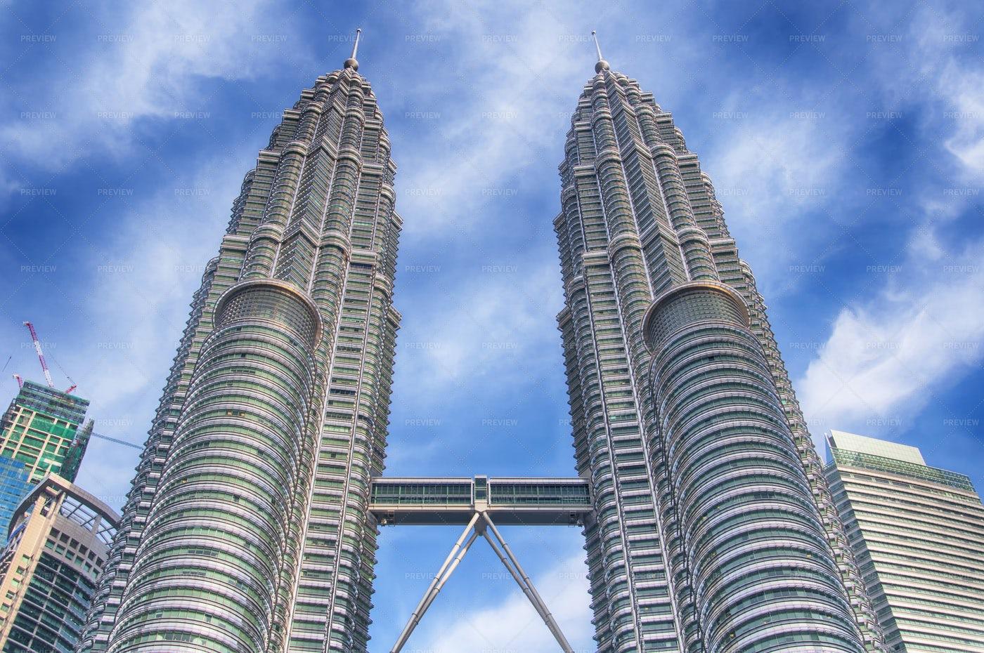 The Famous Petronas Towers Kuala Lumpur: Stock Photos