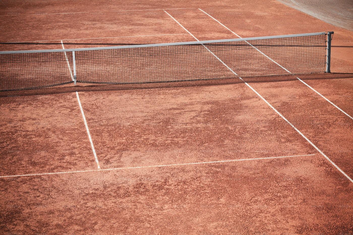 Empty Tennis Court With Net: Stock Photos