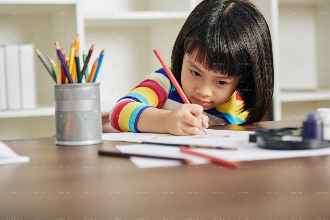 Little Girl Drawing: Stock Photos
