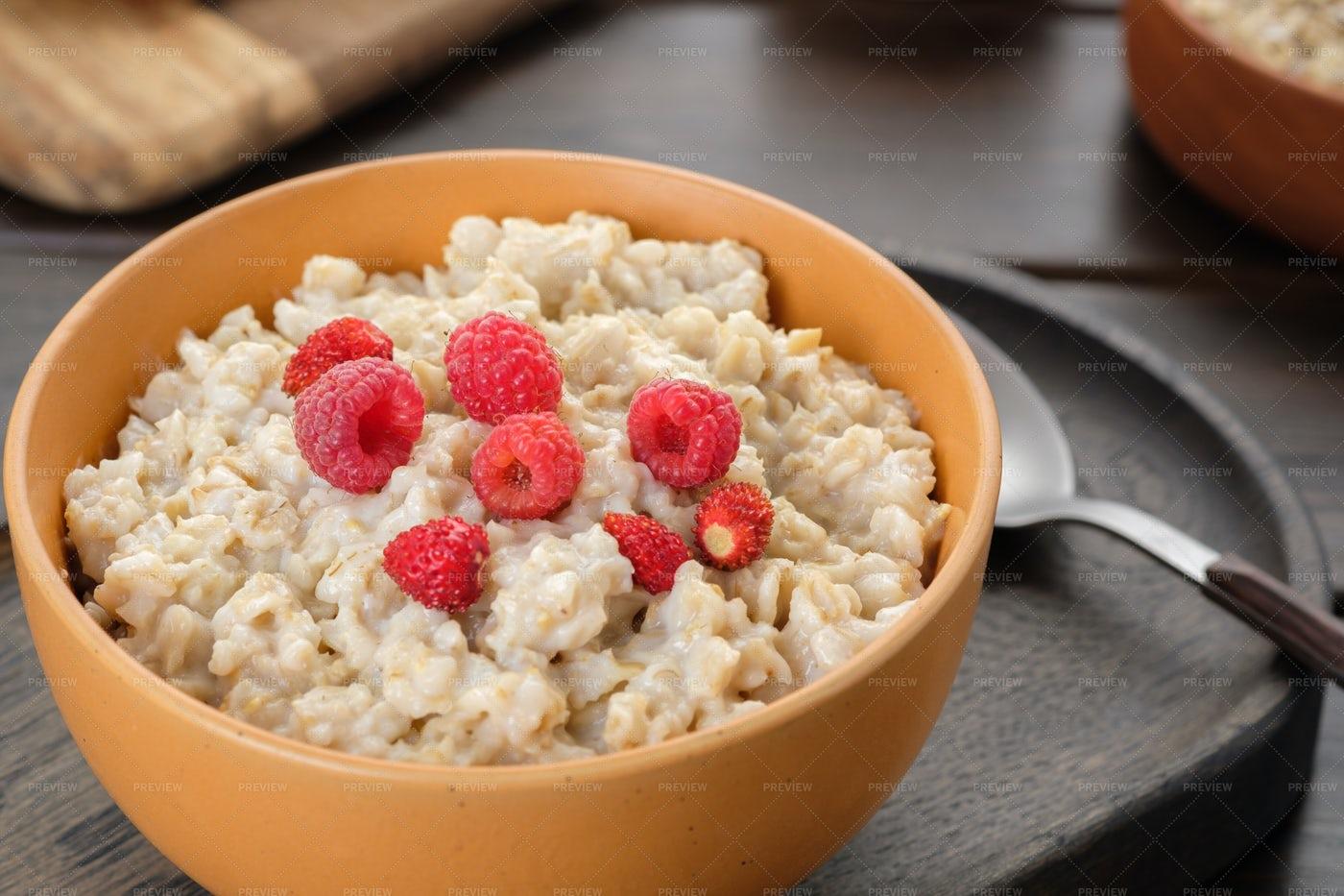 Oatmeal Porridge Closeup: Stock Photos