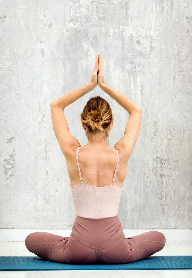 Sukhasana Yoga Pose: Stock Photos