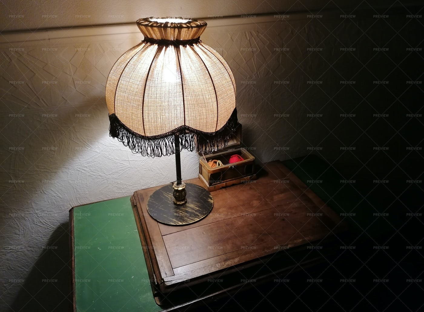 Vintage Table Lamp: Stock Photos