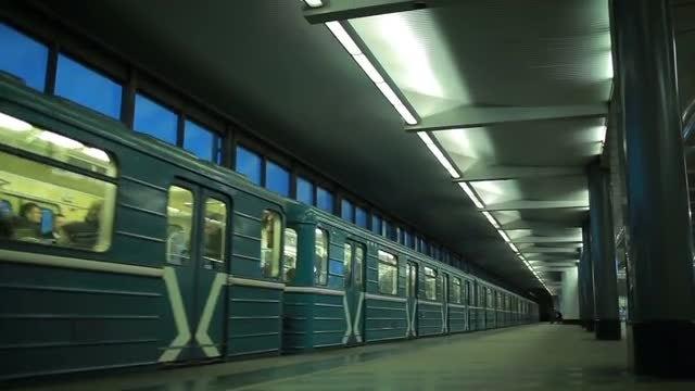 Train Station: Stock Video