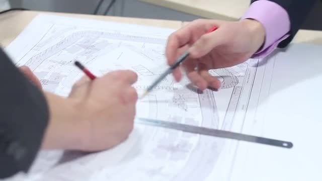 Business Architects Planning The City: Stock Video