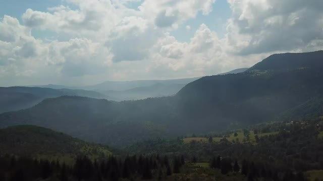 Mountain Range Aerial View: Stock Video