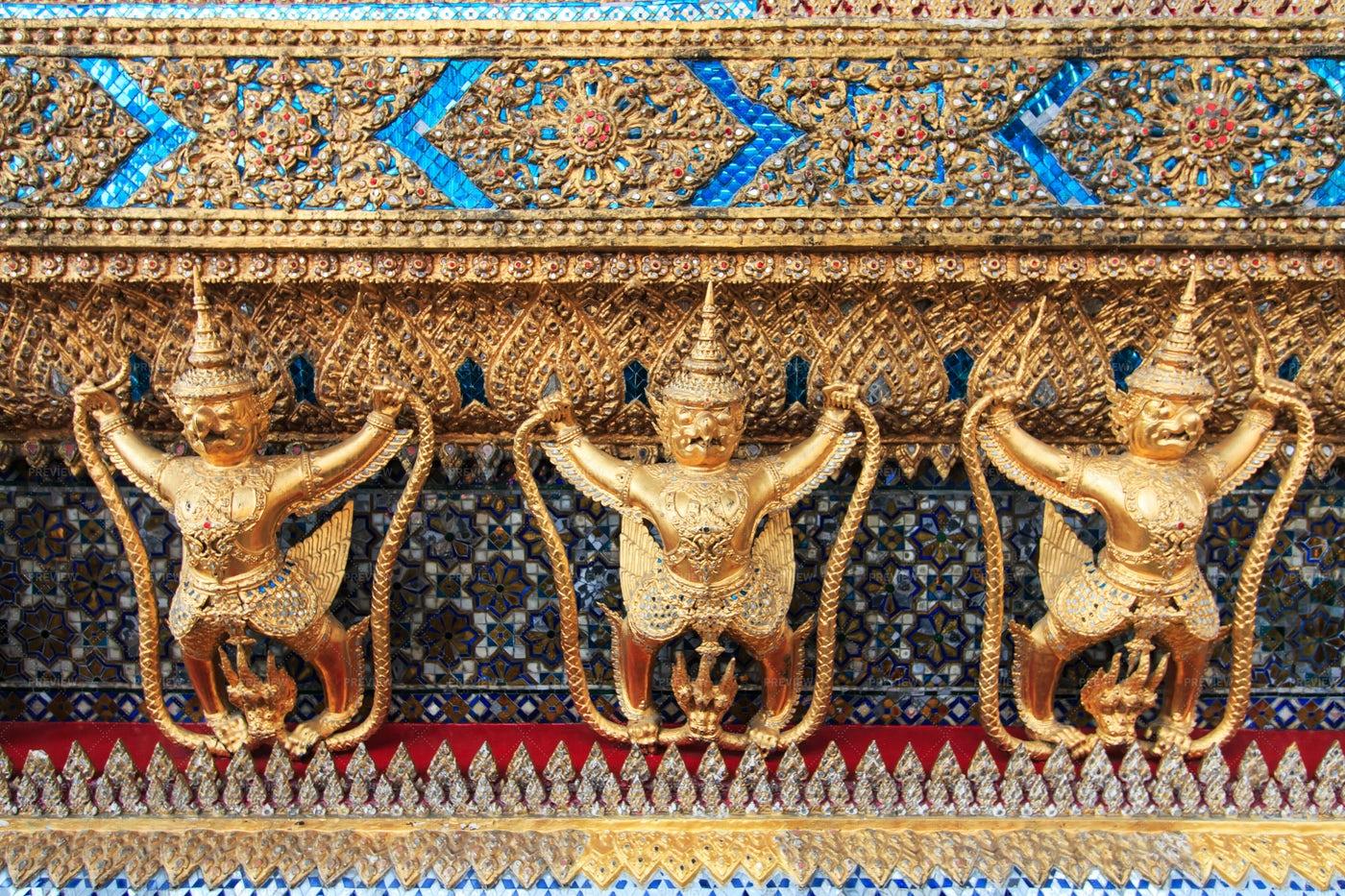 Garuda Wat Phra Kaew: Stock Photos