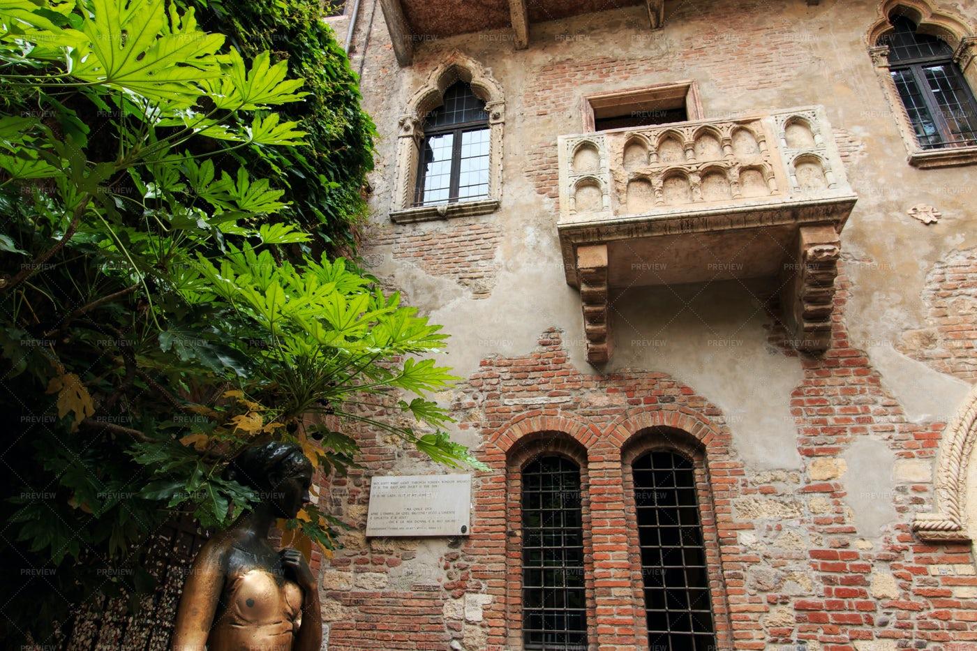 Juliet's Balcony In Verona: Stock Photos