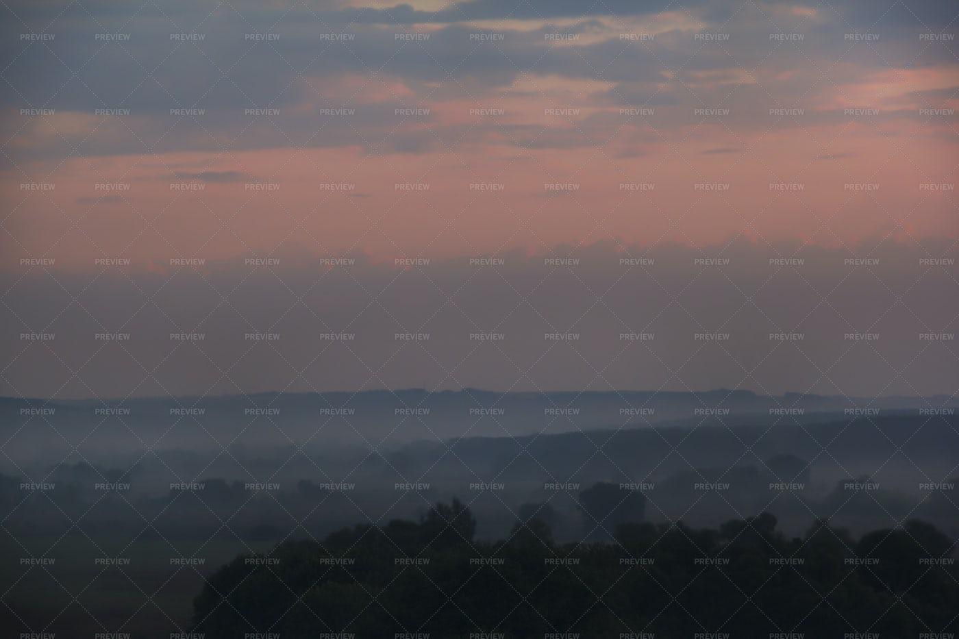 Foggy Morning: Stock Photos