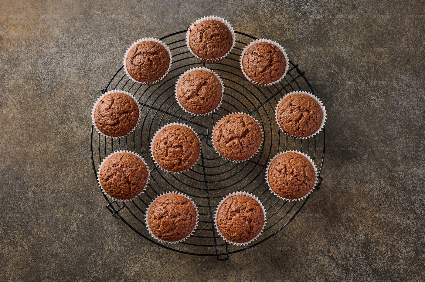 Chocolate Cupcakes On Grille: Stock Photos