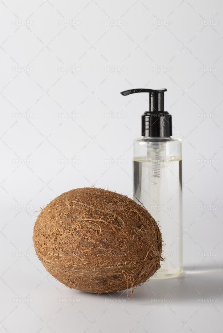 Coconut Oil And Fresh Coconut: Stock Photos