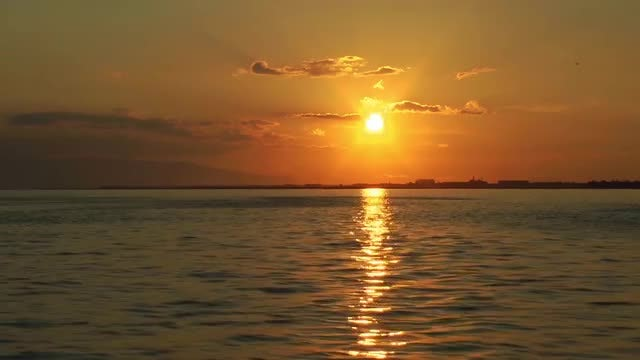 Golden Ocean Sunset: Stock Video