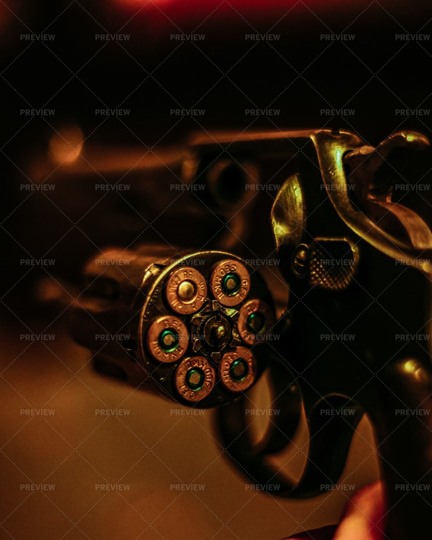 Revolver Chamber: Stock Photos