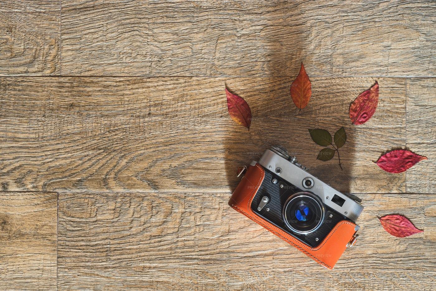 Orange Retro Camera: Stock Photos