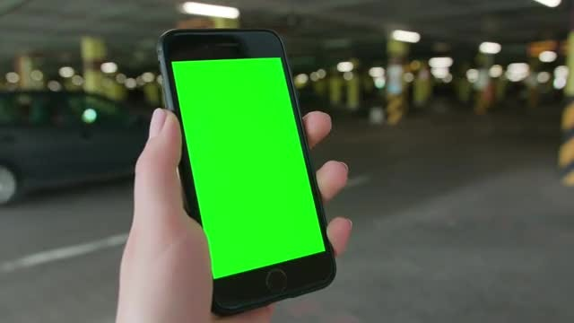Smartphone With Green Screen: Stock Video