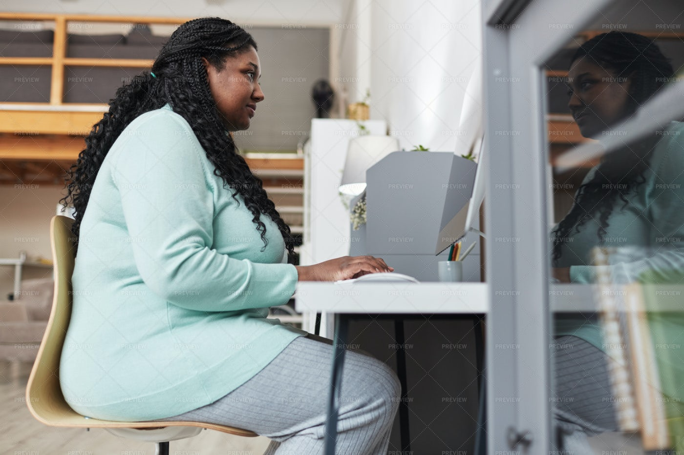 Woman Using PC At Home: Stock Photos