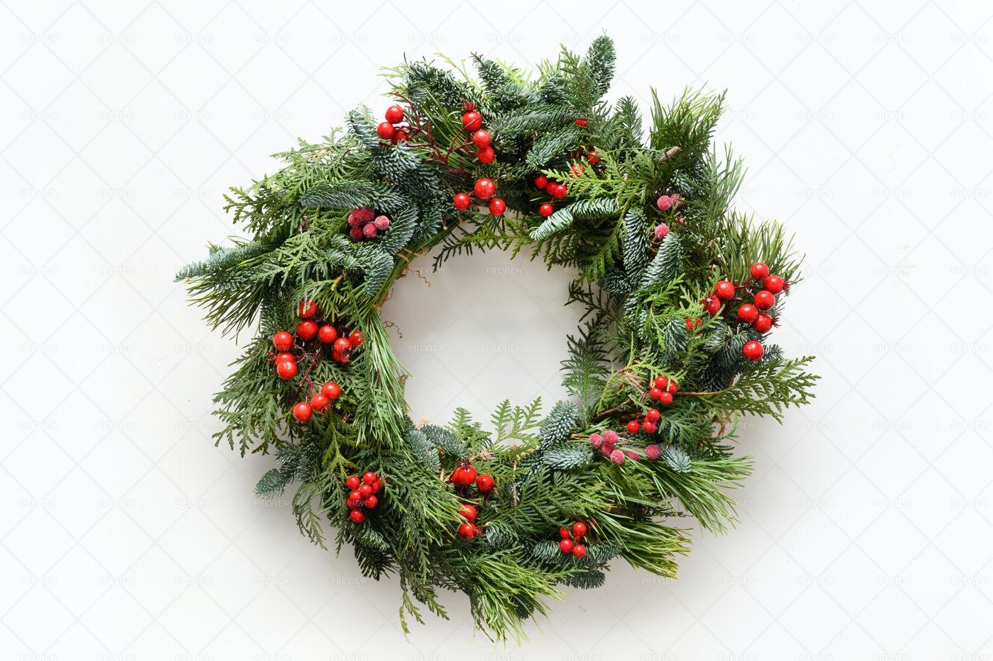 Festive Natural  Christmas Wreath: Stock Photos