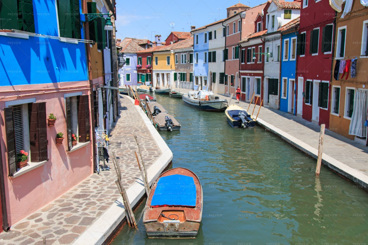 Canal In Burano: Stock Photos
