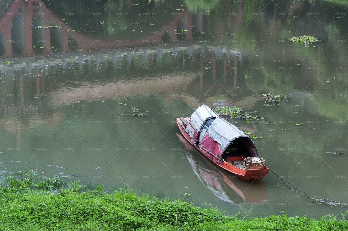 Chinese Fishing Boat: Stock Photos