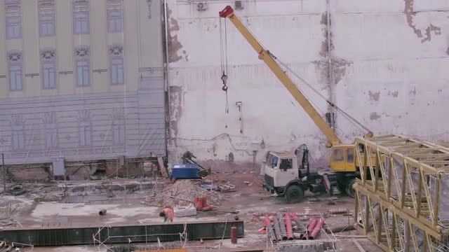 Building Reconstruction In City: Stock Video