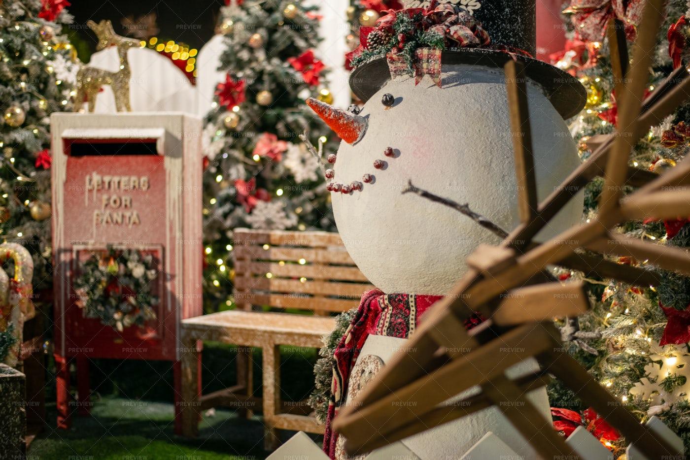 Snowman Christmas Display: Stock Photos