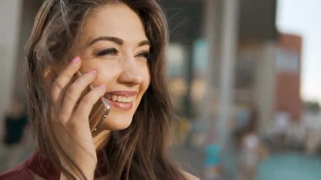 Pretty Brunette On The Phone : Stock Video